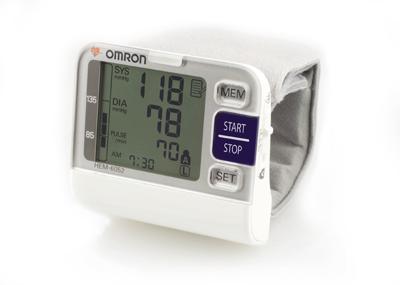 Máy đo huyết áp cổ tay Omron Hem 6052