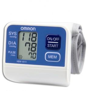 Máy đo huyết áp cổ tay omron hem-6111